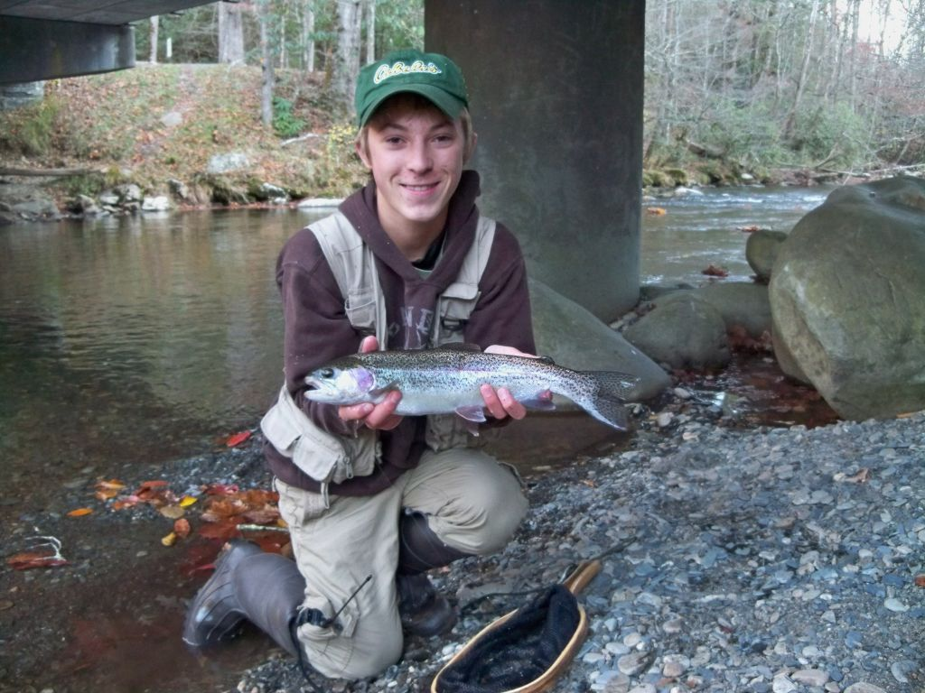 Big smoky mountains rainbow trout fly fishing 3 brothers for Smoky mountain trout fishing